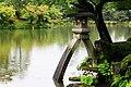 Kotoji-toro lantern, Kenroku-en (3810732114).jpg