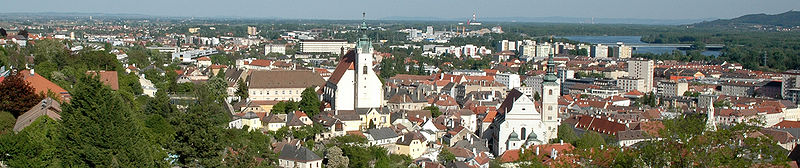 File:Krems Panorama.jpg
