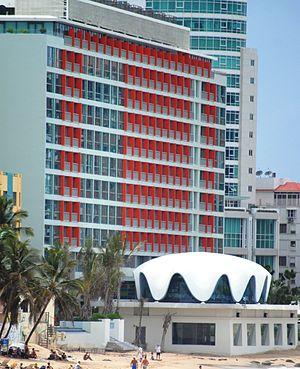 Mario Salvadori - La Concha Resort in San Juan, Puerto Rico: Restaurant building with seashell-inspired structure by Mario Salvadori