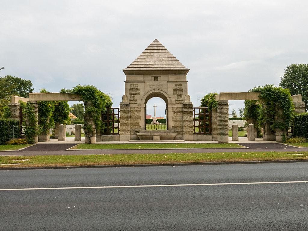 La Delivrande War Cemetery -1.JPG