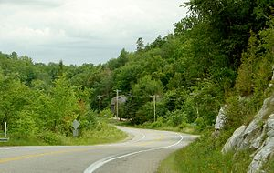 Alcove, Quebec - Highway 105 at Alcove