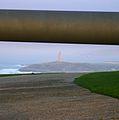 La Torre de Hércules desde el cañón del Monte de San Pedro (A Coruña).jpg