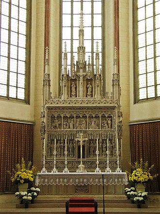 St. Martin's Church, Landshut - Image: Landshut St Martin Main Altar