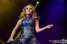 Larissa se apresentando no Espaço das Américas, no Up Tour - Ao Vivo.  Álbuns de estúdio b08fd97e47
