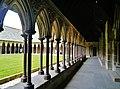 Le Mont-Saint-Michel Abbaye de Mont-Saint-Michel Cloître 09.jpg