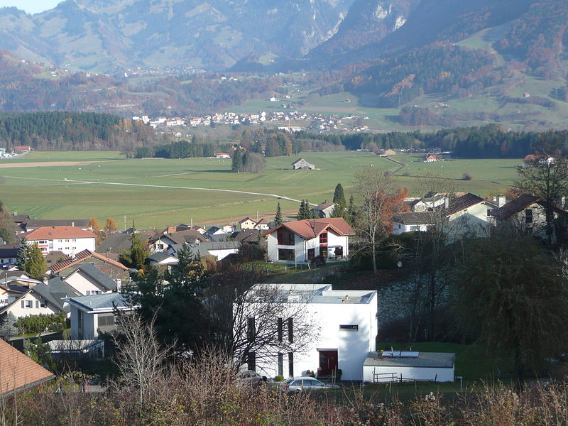 File:Le pâquier - montbarry - bulle - gruyere - switzerland - immobilier - prestige - villa - real estate.jpg