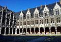 Liège, cour du Palais des Princes-évêques01.jpg