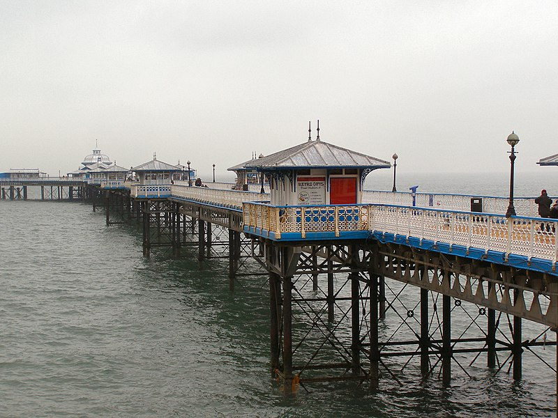 File:Llandudno Pier from Happy Valley Road - geograph.org.uk - 1719867.jpg