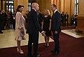 Llegada de los líderes y sus acompañantes al Teatro Colón (46121598711).jpg