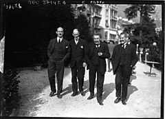 https://upload.wikimedia.org/wikipedia/commons/thumb/4/48/Locarno_1925_-_Alexis_Leger,_Henri_Fromageot,_Aristide_Briand,_Philippe_Berthelot.jpg/240px-Locarno_1925_-_Alexis_Leger,_Henri_Fromageot,_Aristide_Briand,_Philippe_Berthelot.jpg