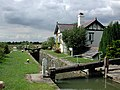 Lock and cottage on Aylesbury Arm of Grand Union - geograph.org.uk - 112420.jpg