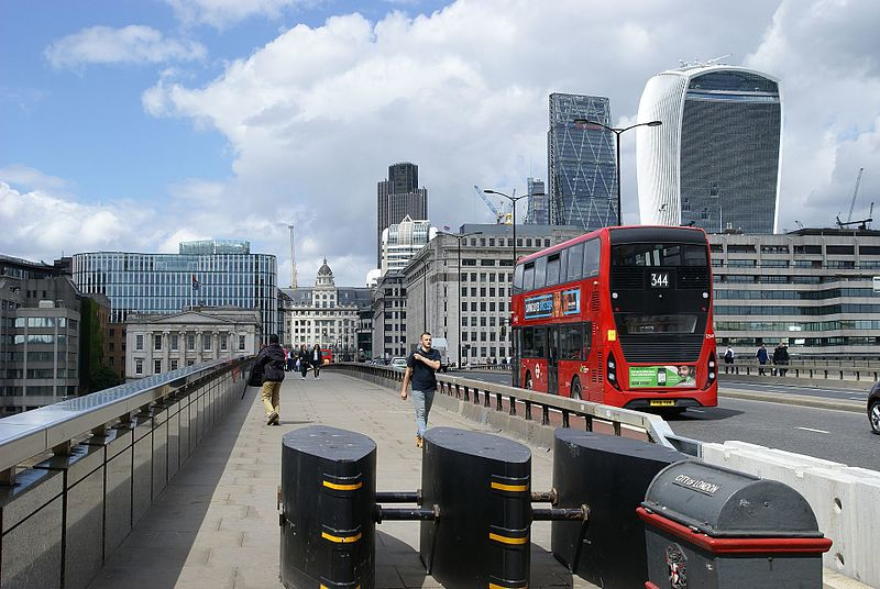 File:London Bridge security barriers.jpg