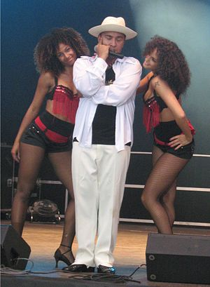Lou Bega - Lou Bega and his dancers