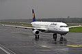 Lufthansa, D-AISG, Airbus A321-231 (16430945516).jpg