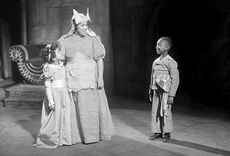 Macbeth-30-Nurse-Children.jpg