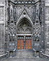 Main entrance in Cathedralof Clermont Ferrand.jpg