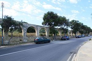 Xemxija - Image: Malta St. Paul's Bay Triq Ghajn Tuffieha + Xemxija Aqueducts 03 ies