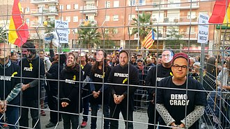 "2017–18 Spanish constitutional crisis - Demonstration under the slogan ""Freedom for Political Prisoners, We are a Republic"" on 11 November 2017"