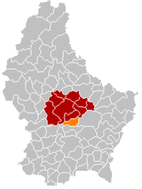 Map of Luxembourg with Lorentzweiler highlighted in orange, and the canton in dark red