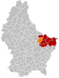 Map of Luxembourg with Waldbillig highlighted in orange, the district in dark grey, and the canton in dark red
