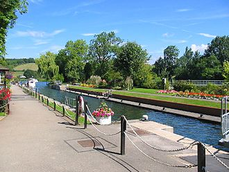 Locks and weirs on the River Thames - Mapledurham Lock