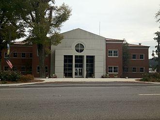 Marshall County, Alabama - Image: Marshall County Courthouse in Guntersville, Alabama