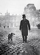 Martial Caillebotte - Gustave Caillebotte et Bergère sur la place du Caroussel, 1892.jpg