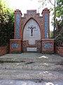 Maubeuge (Nord, Fr) croix de chemin, route de Mons.JPG
