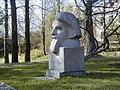 Meņģele, Sudrabu Edžus piemineklis 2003-05-10 - panoramio.jpg