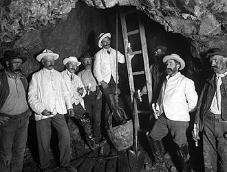 Bunmahon - Men at Bonmahon Mines in the early 1900s