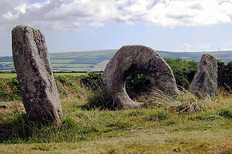 Cornish people - Mên-an-Tol is an ancient lith site in Cornwall