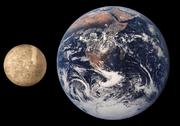 Fyzika ASTRONÓMIA-Planeta Merkúr 180px-Mercury_Earth_Comparison