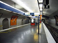 Metro Paris - Ligne 13 - Station Invalides (12).jpg