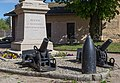 Meyrie Monument Morts Canons.jpg
