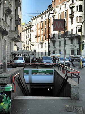 Loreto (Milan Metro) - Image: Milano via Stradivari metropolitana Loreto