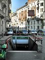 Milano via Stradivari metropolitana Loreto.JPG