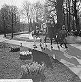 Minister Bot , de Keukenhof te Lisse geopend, Jacoba van Beijeren te paard, Bestanddeelnr 917-5924.jpg