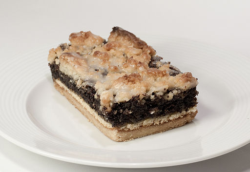 Coffee cake with thick poppyseed layer