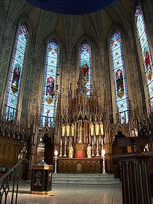 Montréal : Danse érotique d'homosexuels dans une église ! Il faut faire réparation de ce sacrilège 220px-Montreal_Apotre3_tango7174