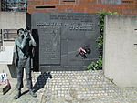 Monument to the fallen shipyard workers in 1970, Gdansk.JPG