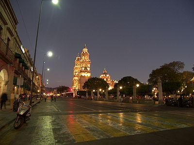 Madero Avenue with the Catedral