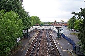 Mortimer railway station - Image: Mortimer railway station 2