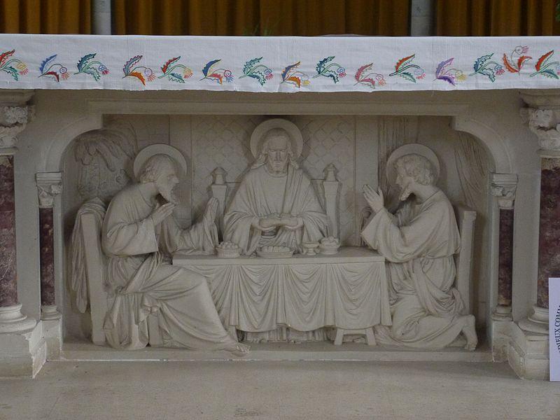Le bas-relief du maître-autel.