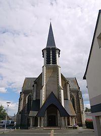 Mozé-sur-Louet 49 église Saint-Samson vue extérieure.jpg