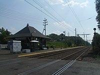 Murray Hill station, July 2010.jpg