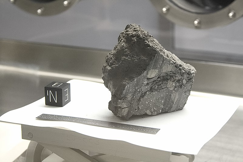 NASA Lunar Sample 15498.jpg
