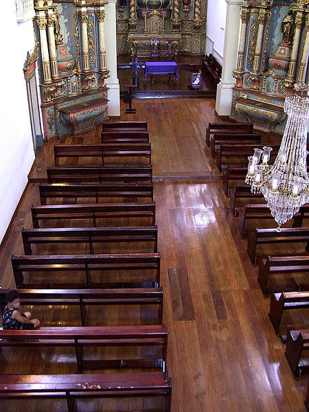 Ficheiro:Nave - igreja do Rosario (Cuiaba).jpg