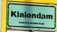 File:Nieuwe plaatsnaamborden geplaatst in Dussen - Altena TV.webm