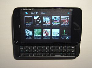 English: Nokia N900 smartphone (display shows ...
