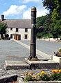 Nouziers pompe (centre du village) 1.jpg
